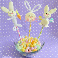 Easter Craft Idea: Easter Bunny Marshmallow Pops