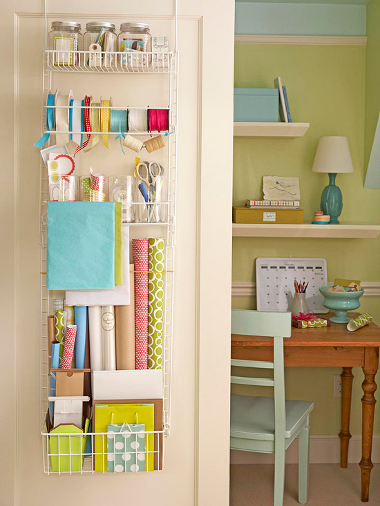 10 creative ways to organize your home hip mama 39 s place - Simple ways of keeping your home organized using magnetic picture frames ...