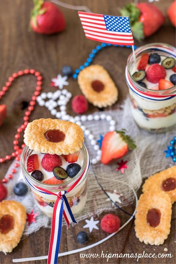 Make-Ahead Fruit & Yogurt Breakfast Parfaits