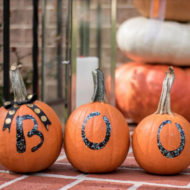 "Easy Fall Craft: ""No Carve"" Boo Pumpkins"