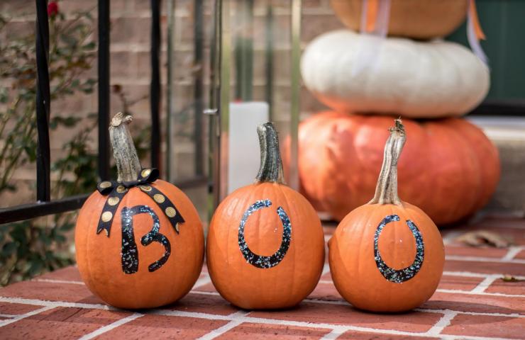 """Easy Fall Craft: """"No Carve"""" Boo Pumpkins"""